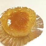 和菓子 ちぐさ - あんずと白餡入りの、あんずゼリー(・∀・) 素朴な感じが好き♡