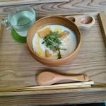 マメゲンカフェ - 豆乳スープ台湾風とホットジンジャー