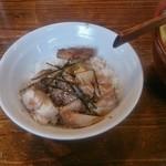 ヌードル マン - 肉めし(ランチ 200円)