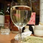 喜多郎寿し - グラスワインは¥500だよ。