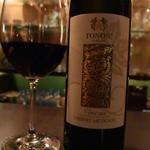 燈門 - 友人のオーダーは、店名に似たエチケットのワイン。