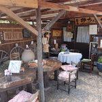 茶房みちふく - 店内のテーブル席
