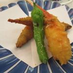 ホテルレガロ福岡 - 揚げ物は最初から薄い塩味が付いてたんでそのまま口に運べました。