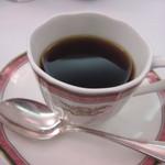ホテルレガロ福岡 - 最後はコーヒーをいただいてこの日の会議の後の夕食は終了です。