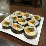 宙 SORA 韓国家庭料理&焼肉 - セットのキンパ