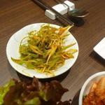 宙 SORA 韓国家庭料理&焼肉 - 葱のカットも丁寧で味付けも美味しい!