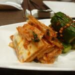 宙 SORA 韓国家庭料理&焼肉 - 白菜キムチも良い感じで乳酸醗酵していました。