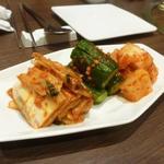 宙 SORA 韓国家庭料理&焼肉 - キムチ盛り合わせ