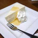 俺のやきとり - 柚子はちみつのレアチーズケーキ