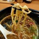 椿華亭 - 『黒胡麻担々麺』¥850-の麺