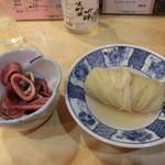 野佐 - ロールキャベツのおでん200円、イカ煮付け300円?