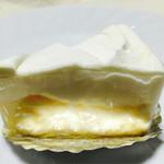 けーきや ヤナギモト - 2層のチ~ズケーキ