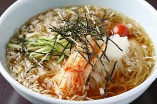 農園レストラン みやもとファーム - 自家製冷麺・・味と歯ごたえに特徴あり。消化がよいため胃にもたれません!焼肉の後はコレ!