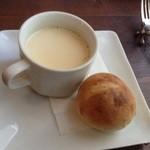 マリベン - トウモロコシのスープとパン