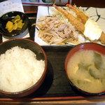 吟くら - 「エビフライ&生姜焼き(週替りランチ)」600円