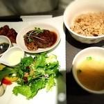 natural kitichen めだか - たっぷり野菜&もちもち有機れんこんバーグプレートセット 1620円