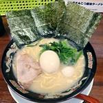 ラーメン神山 - 【濃厚とんこつ醤油らーめん + 特製味付け玉子】¥680 + ¥150
