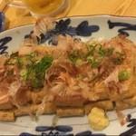 北陸料理しんえつ - 超オススメの栃尾ジャンボ油揚げネギ味噌焼き