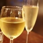 ピッツエリア ファッブリカ1090 - 2015年4月 グラスワインも寛容です