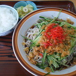 山屋 - 冷やしたぬき蕎麦(大盛)+ランチサービスライス