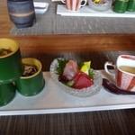 36673553 - 共通・・旬菜3種、お造り、フォアグラ茶碗蒸し。
