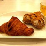 ブレッドプラントオズ - クロワッサンとくるみパン
