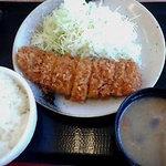 かつや - ロースカツ定食Photo By PEPOPA