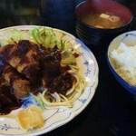 ABCとんかつ店 - 料理写真:お昼のサービス豚カツ定食750円