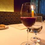 銀座 ハプスブルク・ファイルヒェン - 赤ワインに見えるジュース(爆)