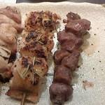 炭火串焼串まさ - 150307東京 串まさ おまかせ串5本セット(もも、香草、砂肝)