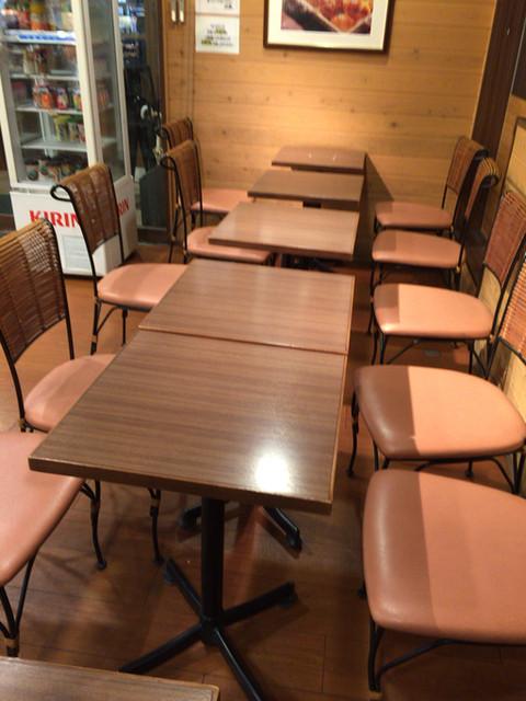 ベルべ 中央林間店 - コーヒーを飲めるスペース