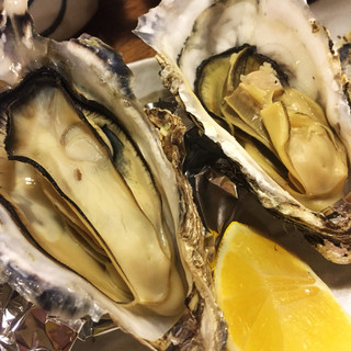 魚樽 袋町支店 - 焼き牡蠣