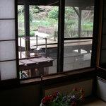 3670311 - 生け花がさり気なく隠れ家の雰囲気を漂わせてます