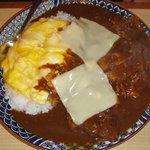 安田屋 - チーズオムカツカレー