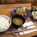 """ふくろう - 料理写真:「ふくろう定食?」(780円)。見た瞬間にニマっ!となっちゃう""""大人の定食""""って感じ。"""