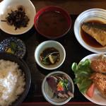 36704955 - 日替わり魚定食 880円