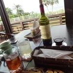 琉球創作ダイニング アンジン - 料理写真:アレ?昨夜の残りの赤ワインと共に。(笑