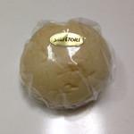 36705198 - 幻のクリームパン  165円