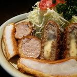 とんかつ にいむら - 料理写真:にいむらミックスA定食(チーズ入りメンチ・ひれ・海老
