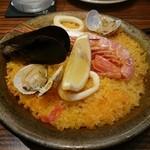 スペインバル カメレオン - 春の贅沢ランチ(1000円) 魚介パエリア