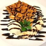 ワッフルカフェ プルミエ - 人気No.1は定番のチョコバナナワッフル!
