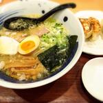 麺処直久 - こく旨+餃子3個セット 930円