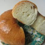 ブロートアレー - ほんのりとバターが香り、甘さのあってモチモチとした噛み応えのあるベーグルです。