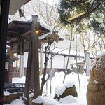 光原社 可否館 - 店内から雪景色