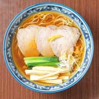 さくら木 - 鶏ガラと昆布を贅沢に使い、上品な味わいのスープが完成!