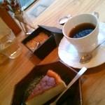 Rokugatsunoshika - コーヒー&スフレチーズ