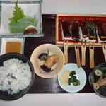 かさすぎ - 田楽定食(1340円)