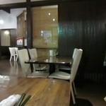 隠れcafe びーだま - 落ち着いた雰囲気の店内