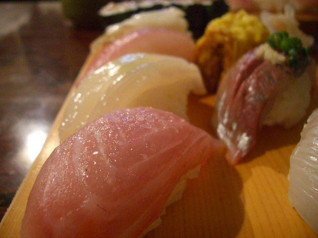 天史朗寿司 - 握りアップ