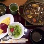ダービー&ジョアン - 特製ビーフシチュー&オムライス¥1,350